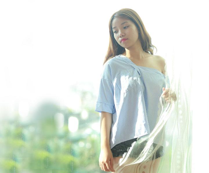 sensual Indonesian girl